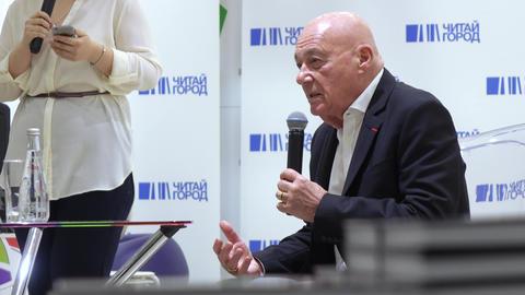 Vladimir Pozner at the presentation of the book Archivo