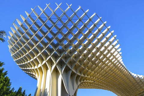 Metropol Parasol wooden structure in Sevilla, Andalusia, Spain フォト