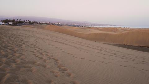 Natural desertic landscape of dunes at Maspalomas beach, in Maspalomas Gran Footage