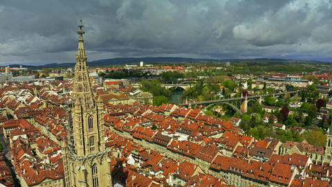 Aerial view of famous Bern Minster or Cathedral in Old City of Bern, Switzerland Archivo