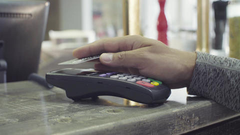 PayPass. Contactless payment with NFC chip module Archivo