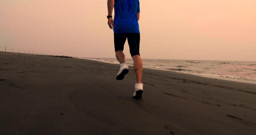 Man running and jogging training at beach Live影片