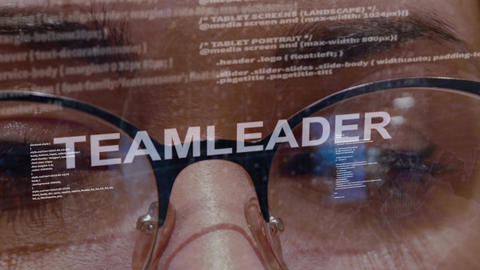 Teamleader text on female software developer Live Action