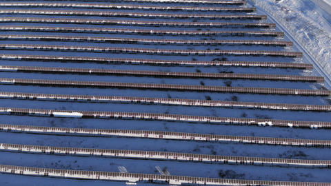 Aerial View - solar panels in the mountains. Siberia. Altai. Russia 2017 Winter Archivo