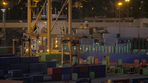 Container port with working crane and vehicles Archivo