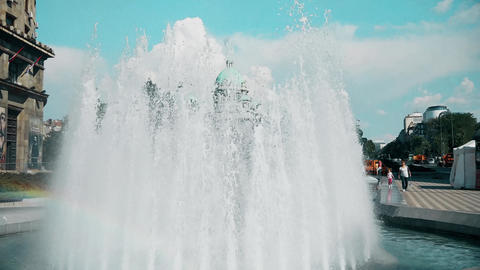[alt video] Great fountain in the city center in Belgrade