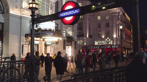 London, United Kingdom - May 13, 2019: Close up of Underground sign at night by Acción en vivo