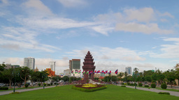 TIMELAPSE Independence monument with traffic,Phnom Penh,Cambodia Footage