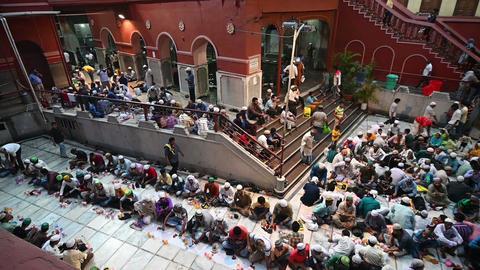 Iftar party at Nakhoda Masjid, Kolkata, India Footage