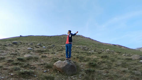 Boy in the mountains ビデオ