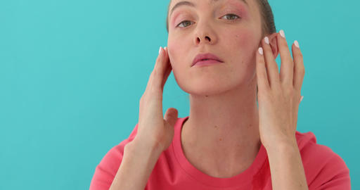 Woman suffering from headache Live Action