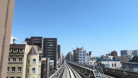 Straight travel video of city traffic ビデオ