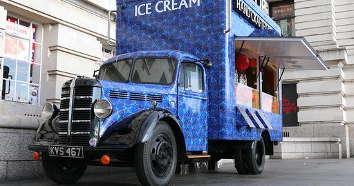 Bedford Food Truck In London Footage