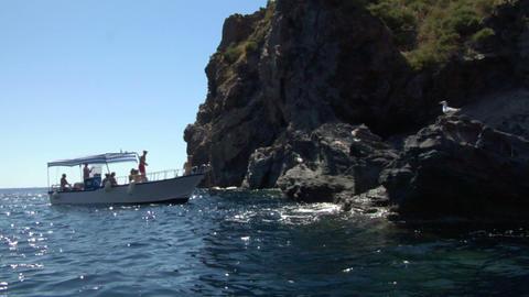 eolian island tourist boat 01 e Stock Video Footage