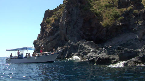 eolian island tourist boat 01 e Stock Video Footage