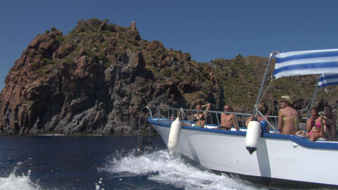 eolian island tourist boat 03 e Stock Video Footage
