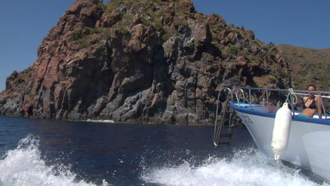eolian island tourist boat 03 e Stock Video Footage