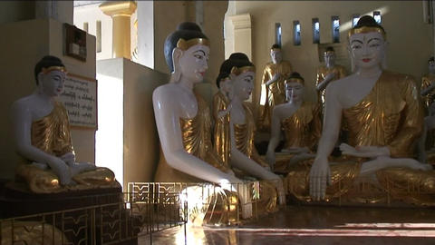 Statue at Shwedagon pagoda, Yangon Stock Video Footage