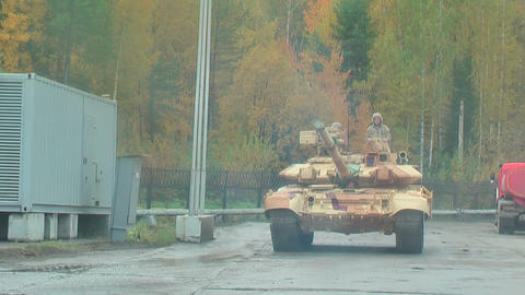 T-90 tanks in motion. Russia Footage
