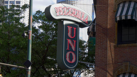 Famous Pizzeria Uno in Chicago - CHICAGO. UNITED STATES - JUNE 11, 2019 Footage