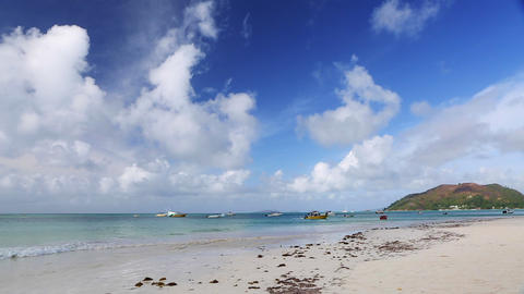 Tropical beach panorama, Seychelles Live Action