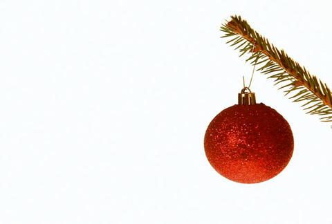 Focusing on christmas ball Footage