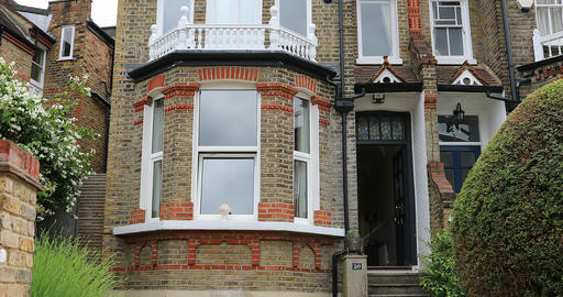 Luxury Traditional Brick Houses Near London Live Action
