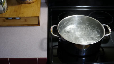 A Watched Pot Never Boils by Timelapse Live Action