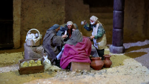 Cuenca, Ecuador - 2019-01-03 - Animated Christmas Nativity Scene - Men Talk Live Action