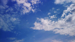 Time lapse clouds, rolling puffy cloud are moving, white lightnes clouds time Live Action