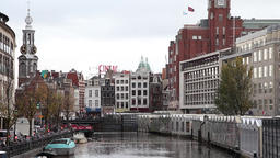 amsterdam canal in a cloudy day ビデオ