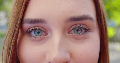 Young Lady's Eyes. Detail Shot Acción en vivo