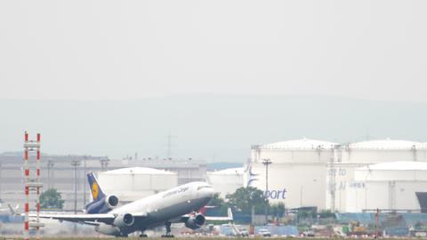 Lufthansa Cargo MD-11 departure Live Action