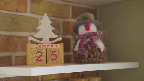 December 25th, calendar. Snowman. Christmas decorations GIF