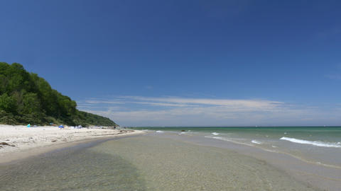 Beach scene with blue sky. Rügen - Baltic Sea Live Action