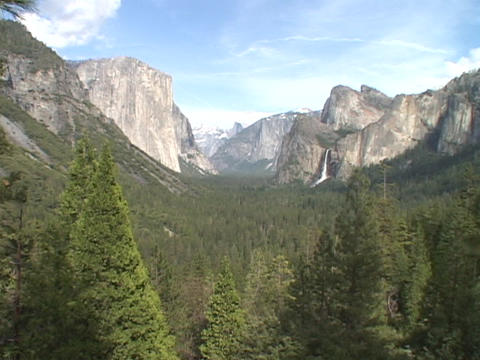 Majestic mountains stand in Yosemite National Park Stock Video Footage