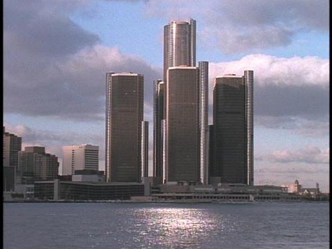 The Renaissance Towers dominate Detroit's skyline Stock Video Footage