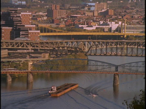 Traffic crosses bridges in Pittsburgh, Pennsylvania Stock Video Footage