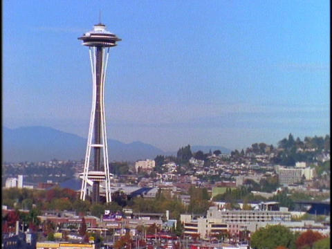 Seattle's Space Needle towers over the city Stock Video Footage