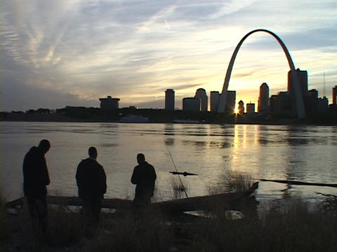 Fishermen gaze across the Mississippi river at the St.... Stock Video Footage