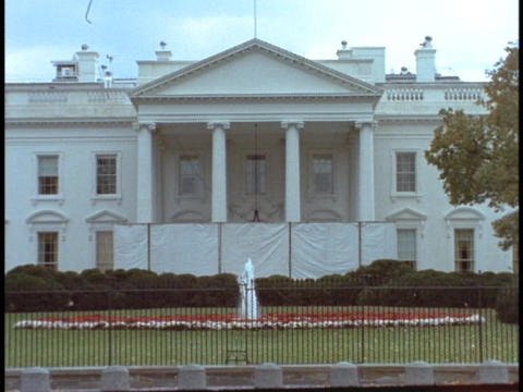 A fountain splashes in the White House courtyard Footage