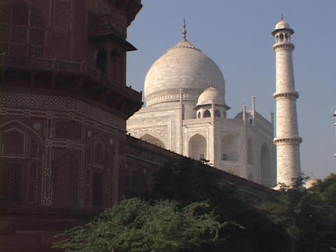 The sun shines on the Taj Mahal Stock Video Footage