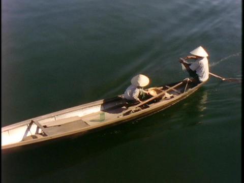 fishermen drop a net in the ocean Stock Video Footage