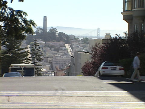 Cars sit in front of houses on Nob Hill in San Francisco,... Stock Video Footage