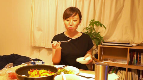 Men and women of the image to be a meal (dinner) ライブ動画