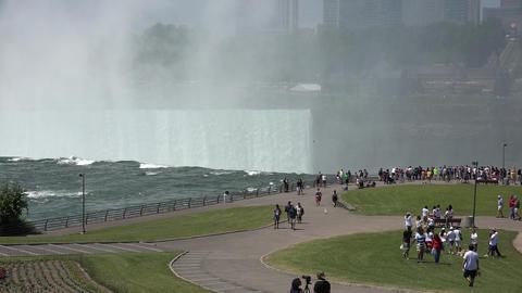 Niagara Falls Public Park Live Action
