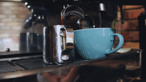 Espresso Pouring from Coffee Machine ビデオ
