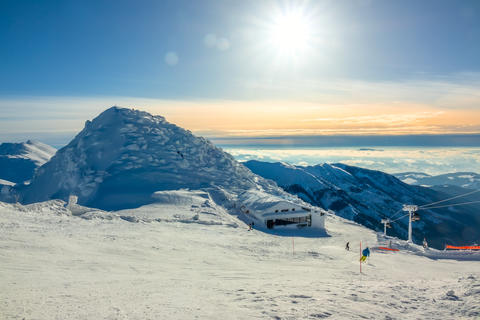 Winter Sun over the Peaks and Ski Bar フォト
