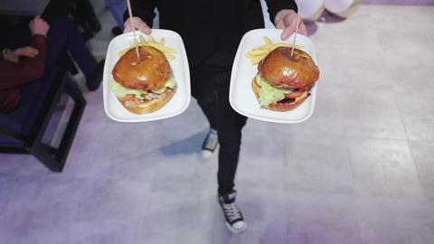 Fresh Appetizing Hamburger. Hamburger heaven. Great Burger with beef cutlet Archivo