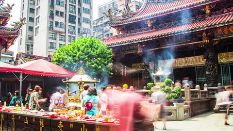 Time Lapse - People Praying in the Long-Shan Temple, Taipei, Taiwan Footage